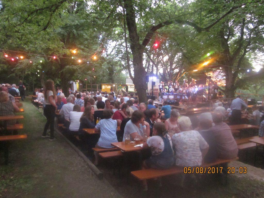 waldfestsamstag_2017-008